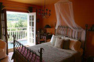 """Eines der Zimmer in der """"Auberge du Mange Grenouille"""" in Le Bic (Québec)"""