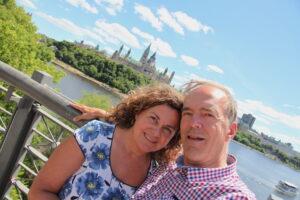 Am Ottawa-River: der Autor mit seiner kanadischen Lebenspartnerin